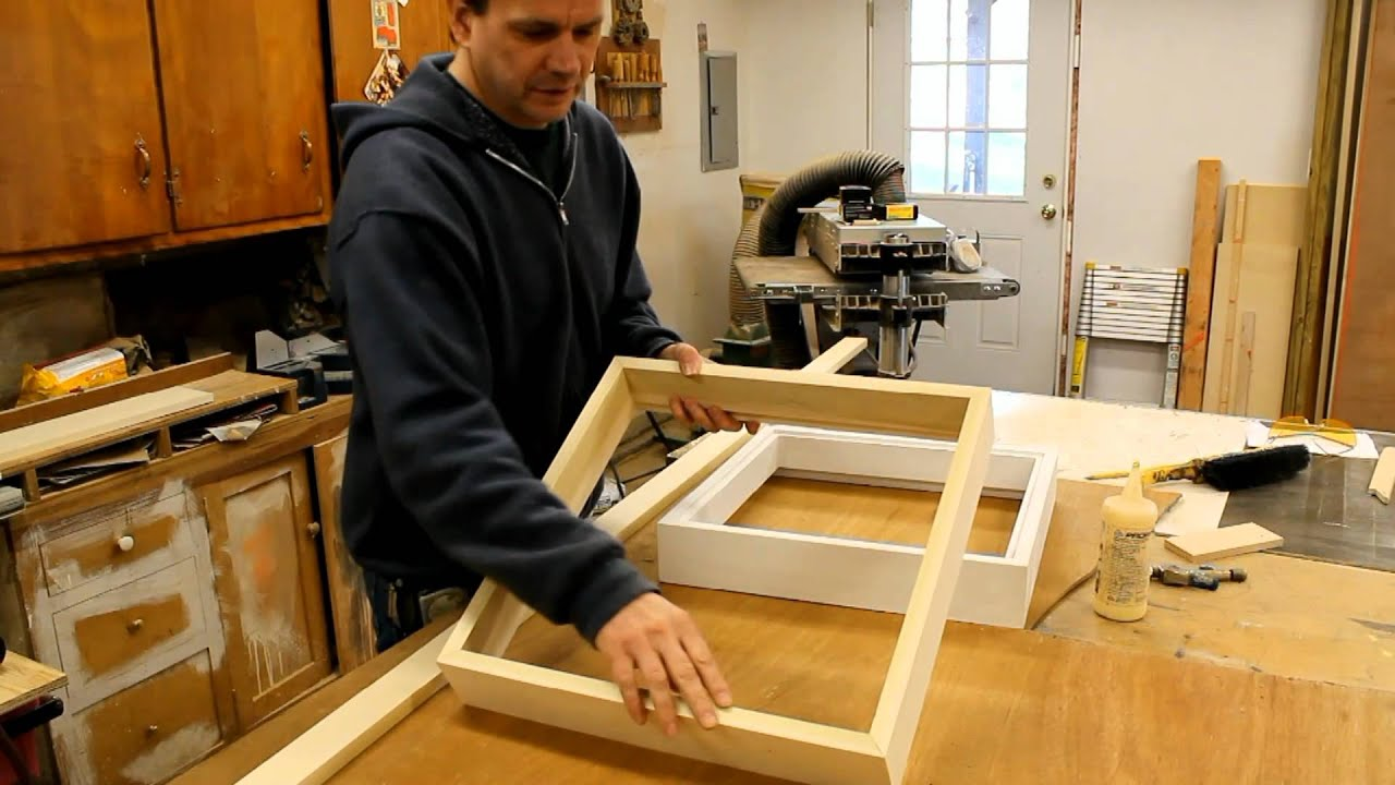art woodworking how to make a wood picture frame with french cleat system by jon peters youtube. Black Bedroom Furniture Sets. Home Design Ideas