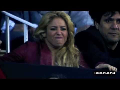 Shakira reaction seeing Gerard Pique [HD] -  Barcelona 0 - 1 Real Madrid