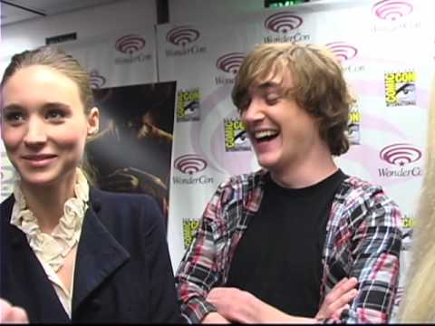 A Nightmare on Elm Street - Rooney Mara & Kyle Gallner