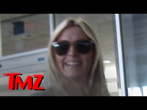 Is Maria Sharapova Dating Martina Navratilova!? video