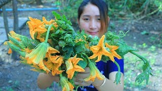 Yummy Pumpkin Flower Cooking Shrimp Soup - Pumpkin Flower Soup Recipe - Cooking With Sros