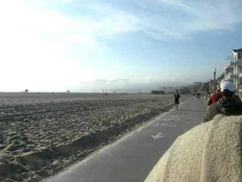 andando de bike no pier de Sta Monica - LA