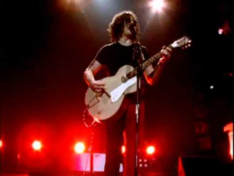 The White Stripes   Seven Nation Army   Under Blackpool Lights 26