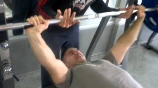 BADY BUILDİNG Bench Press 120 kg (264.55(Göğüs press) Gökhan Şahan.2012.mp4 Ares GYM İzmir