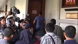 8 pegawai kastam mengaku tidak bersalah terima suapan