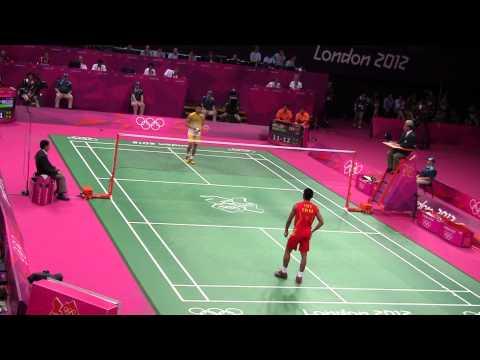 Lee Chong Wei vs Lin Dan Olympic London 2012 - Awsome mind game (mid 3rd set)