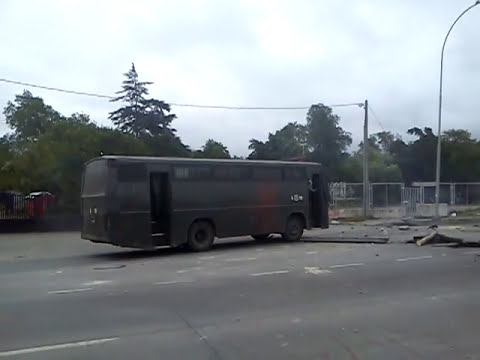 VER DESCRIPCION Video de Carabinero quemandose la Pierna por video aficionado 07/11/2012