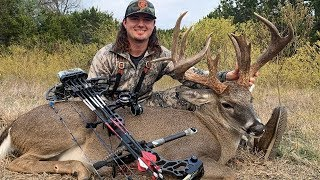 GIANT Whitetail RATTLED in to 10 YARDS!!!!