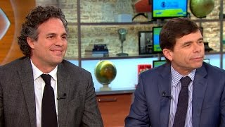 "Mark Ruffalo and journalist Michael Rezendes talk ""Spotlight"""