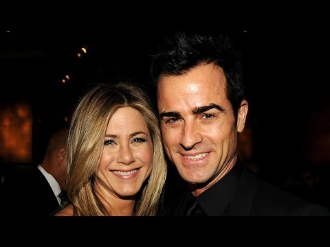 Jennifer Aniston Holds on to Justin Theroux During NYC Date Night: See the Pic!