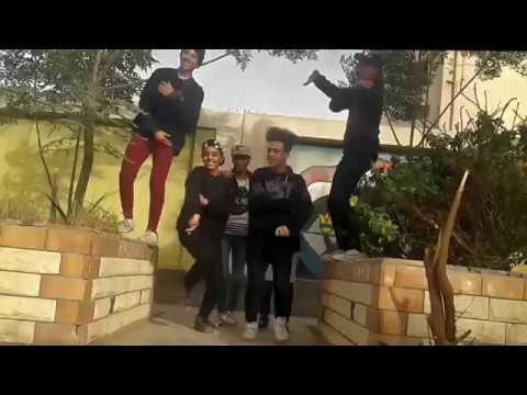 مهرجان لاء لاء طيب ينفع كده   الصواريخ   ١٠٠نسخة Laa   El Sawareekh رقص مشاغبين ملوى تهليس2018 thumbnail