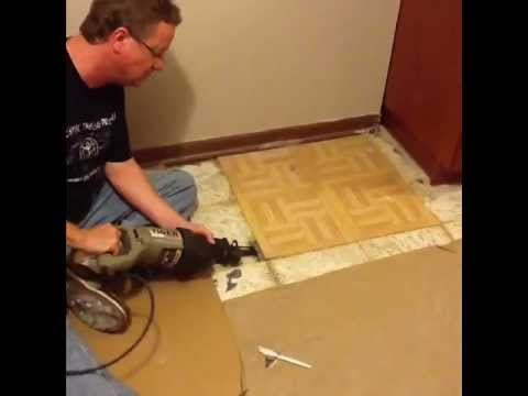 Tool to remove tiles on floor