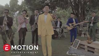 Download Lagu Juicy Luicy - Terlalu Tinggi (Official Music Video) Gratis STAFABAND