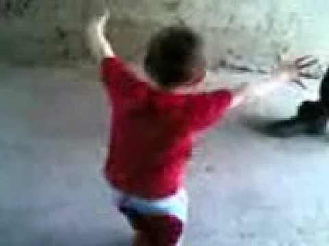 رقص طفل جامد جدىىىىىىى thumbnail