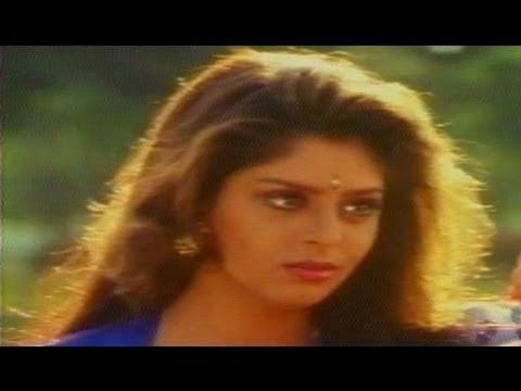 Kondapalli Raja Movie | Romantic Scene Between Hot Nagma | Venkatesh video