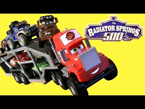Cars Off-Road Mack Truck Transporter RS500 with Ramp Radiator Springs 500 1/2 NEW