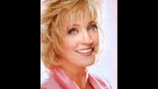 Watch Connie Smith Born A Woman video