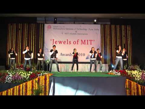 MIT Gathering11 Dance Boom -BoomI Hate LOVe Story.....