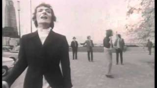 Watch Hollies Dear Eloise video