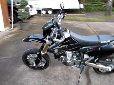 Suzuki Drz 400 >> 2008 DRZ400SM Black FMF Powercore Powerbomb Header - YouTube