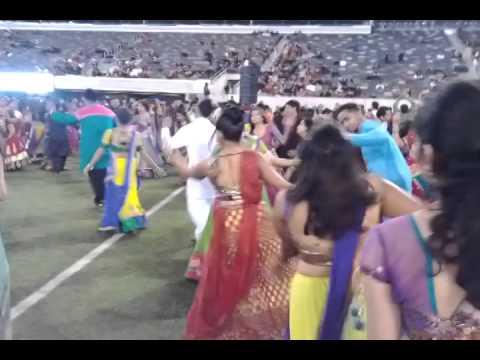 Atul Purohit Garba  MetLife Stadium NJ USA 2014