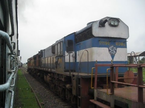 TWIN ALCO hauled BTPN oil tanker rake gets overtaken by Somnath Jabalpur express !