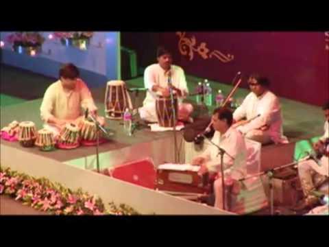 Jagjit sing live ghalib Aah Ko Chahiye -very rare and best last...