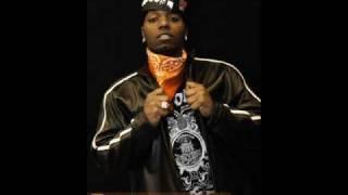 Traxamillion ft. Clyde Carson - In Her Ear