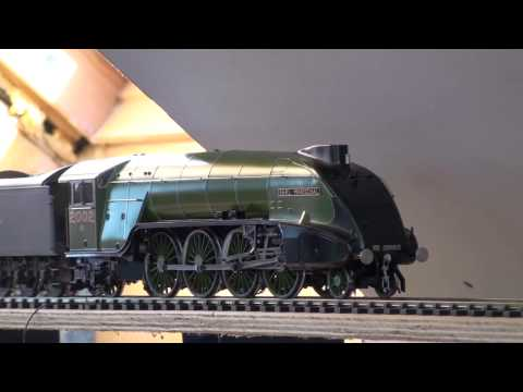 DCC sound LNER P2 No. 2002 Earl Marischal in LNER Apple Green (with temporary tender)