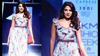Rhea Chakraborty Hottest Ramp Walk At Lakme Fashion Week 2017