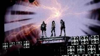KISS - Modern Day Delilah - Sonic Boom Over Europe - Live at Milan 180510