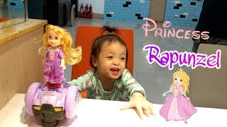 Búp Bê Công Chúa Tóc Mây Đi Xe Điện Tự Cân Bằng | Disney Princess Rapunzel Doll ♥️ Bé Hin