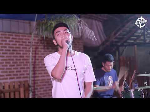 Download Sold Out - Tentukan Arah Live @NAKEDWAVE Mp4 baru