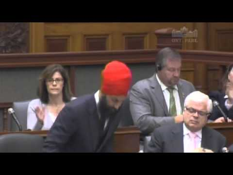 Jagmeet Singh Calls on the Premier to Side with Ontario Drivers