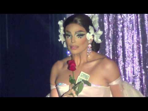 """Valentina: """"Asi Fue"""" @ Showgirls!"""