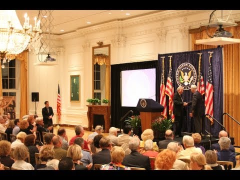 "Bruce Herschensohn talks ""Obama's Globe"" at the Nixon Library"