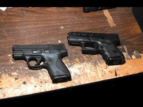 REVIEW - Smith and Wesson M&P Shield vs Glock 26