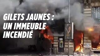 Gilets jaunes : une femme et son bébé sauvés d'un incendie à Paris