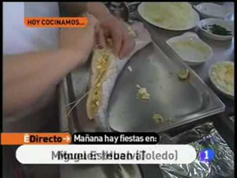 Merluza rellena con salsa de cebolla