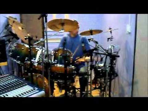 Wellinson Emerick Gravando bateria 01.wmv