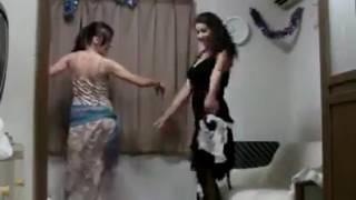 Desi girls doing vulgar dance in home made video