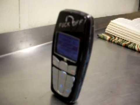 Nokia 6010 Dancing while being bored at Subway