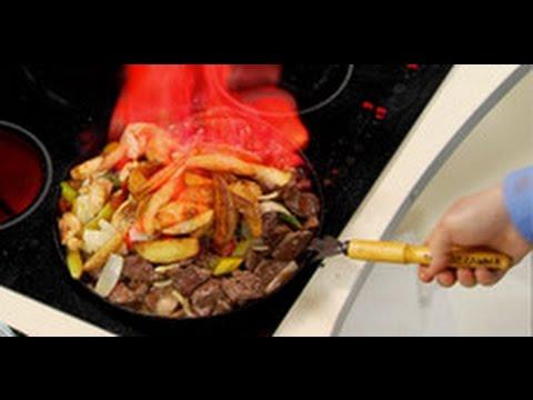 Жареное мясо с картошкой в сковородке фламбированное / Илья Лазерсон / Обед безбрачия