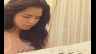 download lagu Ngeliat Raisa Main Piano gratis