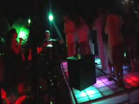 GRUPO MUSICAL VERSATIL EN PUERTO VALLARTA PARA BODAS Y EVENTOS