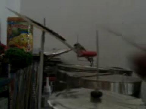 Tarolas caseras hechas de latas de leche Nido con sonido real