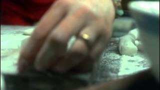 Dumplings (2004) English subtitled trailer.
