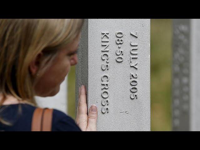 یک دقیقه سکوت به یاد قربانیان حمله تروریستی لندن