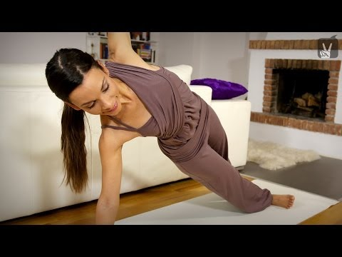 Power Yoga Workout - Fit in weniger als 10 Minuten mit Amiena Zylla! Image 1