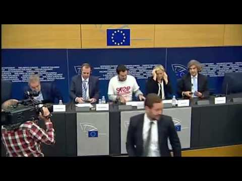 BRUXELLES CONFERENZA STAMPA - Le Pen e Salvini - Ebola  sospendere Schengen contro epidemia